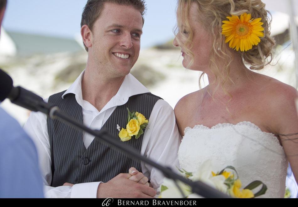 Marina Brett Bravenboer Weddings Yzerfontein Strandkombuis   0029