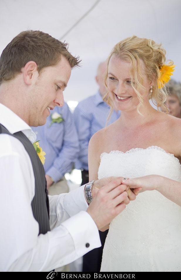 Marina Brett Bravenboer Weddings Yzerfontein Strandkombuis   0031