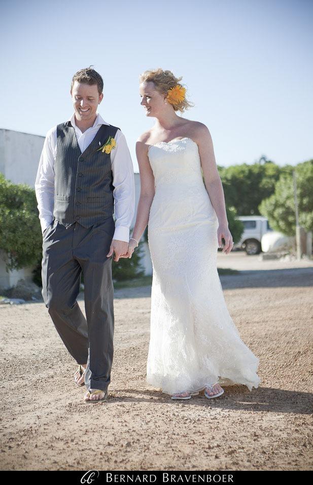 Marina Brett Bravenboer Weddings Yzerfontein Strandkombuis   0042